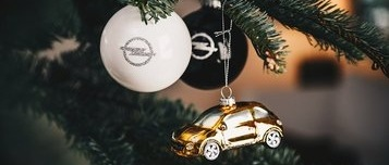 Baubles on Opel Christmas tree