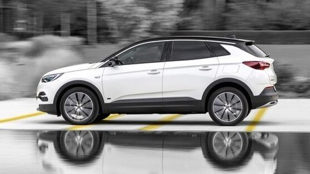 New Opel Grandland X Plug-in-Hybrid with Front-Wheel Drive